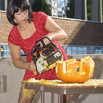 amani chainsaw pumpkin